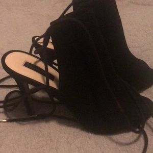 Forever 21 black suede heel open toe shoe